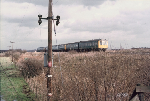 Diesel multiple unit at Chat Moss