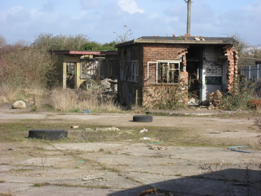 Derelict buildings at the sight of the cleaning shed